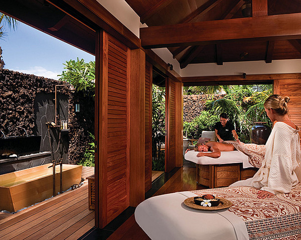 hawaii resort bath