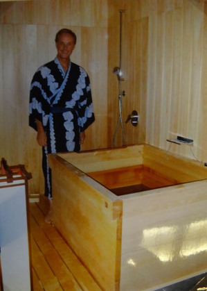 mj-tub-01.jpg