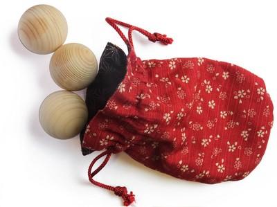 hinoki-balls.jpg
