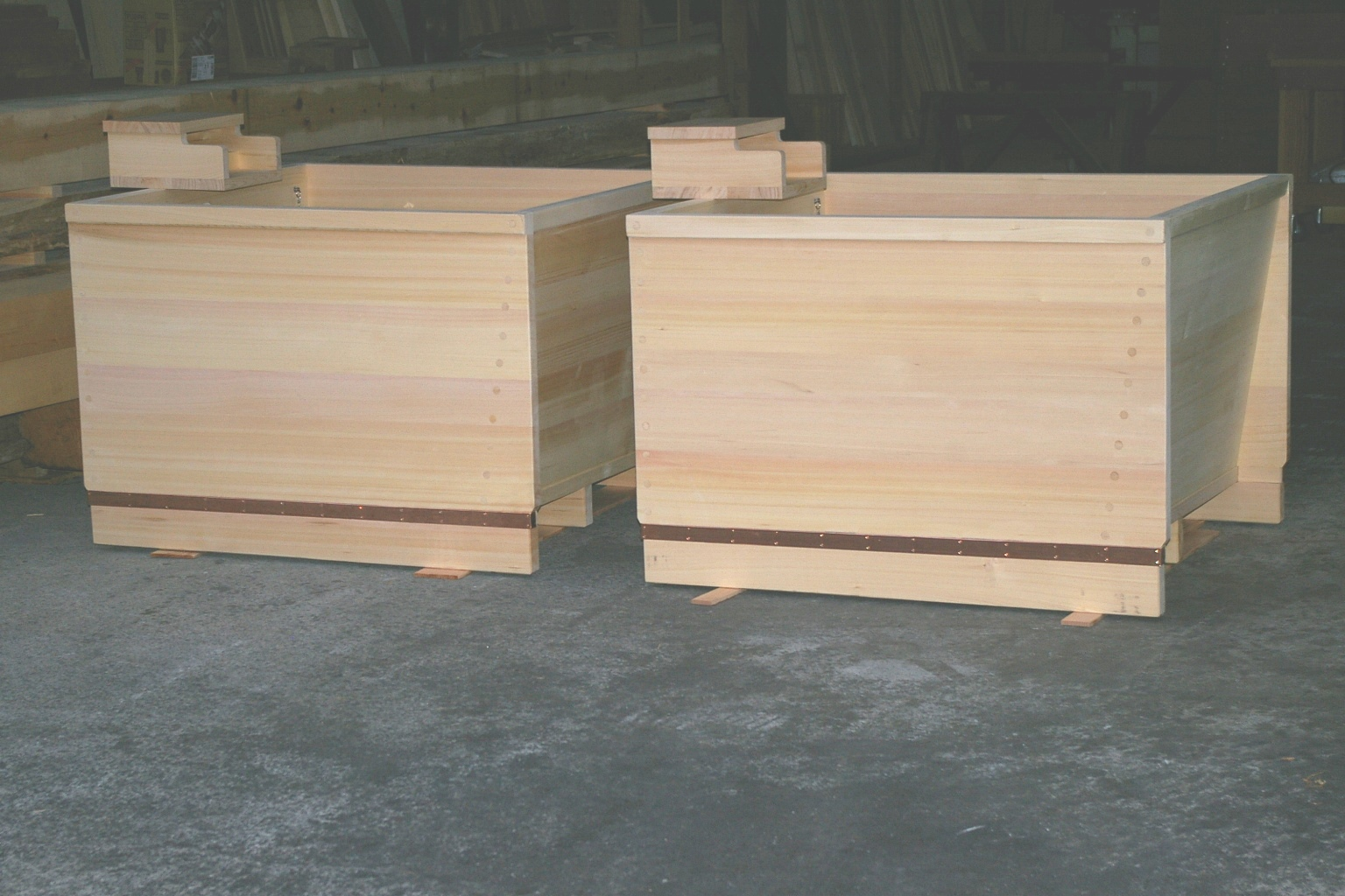 japanese hinoki wood soaking tub. Here are the specs for tubs  japanese Knotless hinoki wood bathtub sizes L1100mm x W1000mm H750mm ext dim 640mm deep ofuro soaking hot twin malaysia