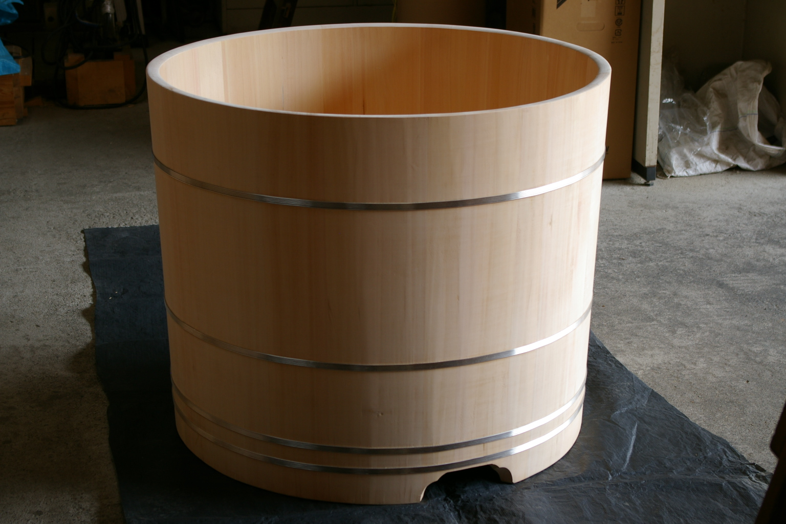ofuro soaking hot tubs: outlet round tub