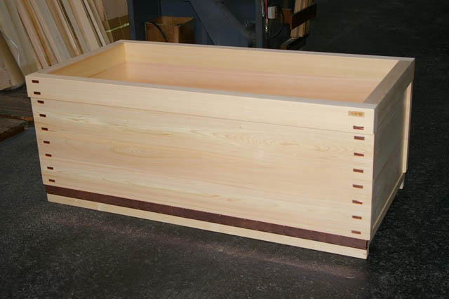 wood ofuro tub