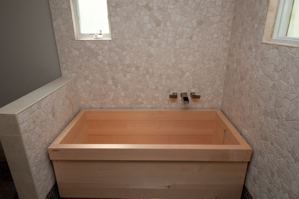 ofuro soaking hot tubs: Photos of installed tub in the US