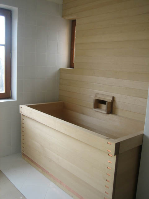 Ofuro soaking hot tubs wood bath tub installed in prague for Deep built in bathtubs